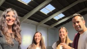 selfie Clara, Saiko, Mireia Pi i Andrea Slavador videoclip Respira moltClara